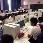 宮古島の小学校で「速読」を学習する子どもたち