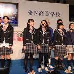 文化祭では各部活によるブース出展やステージバンドなどの発表が行われた。写真は合唱部の様子