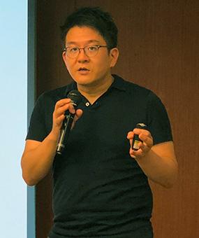 経済産業省サービス政策課教育産業室長の浅野大介氏