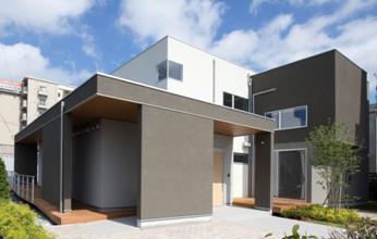 コンセプトホーム「~人生100歳時代の未来住宅~五世代の家」外観
