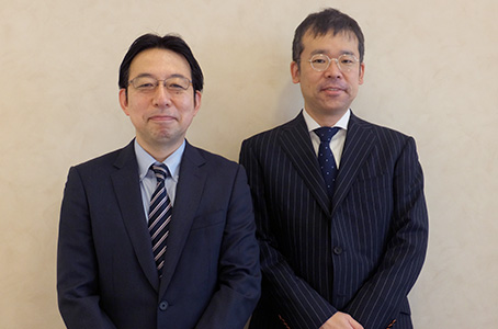 平石明 社長(左)と常石博之 副社長