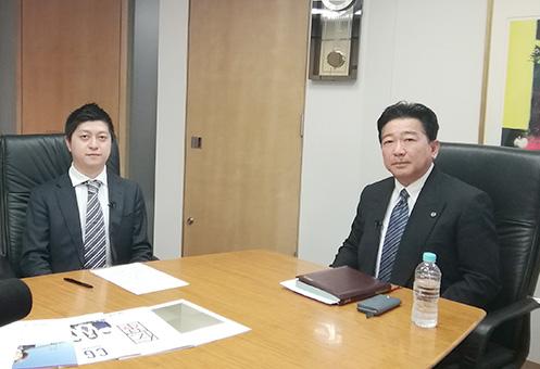 中萬学院グループの中萬隆信 社長(右)とユナイトプロジェクトの古岡秀士 代表