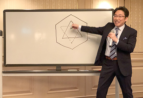 企業向けのセミナーでも活躍する木下晴弘氏。 研修大会における木下氏の講演は、今回で3回目