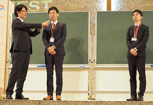 グランドチャンピオン受賞の喜びを語る野田塾・藤永和利 先生