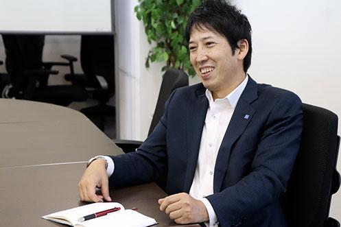 (株)俊英館 横山聡 取締役