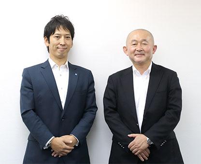 株)ウイングネット・荻原俊平 社長(右)と(株)俊英館・横山聡 取締役